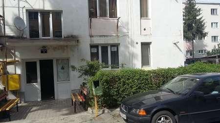 inchiriez apartament cu 1 camera 1
