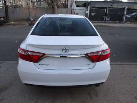 toyota camry with excellent condition 3