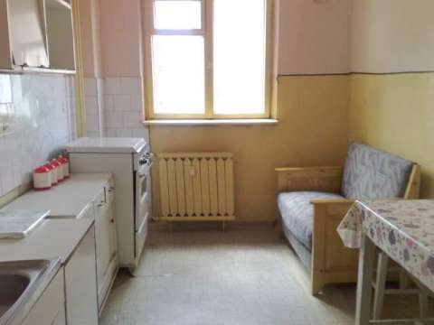 bacau, vand apartament 2 camere decomandat, etajul 2 din 4 2