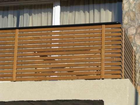 balustrada balcon din lemn masiv 3