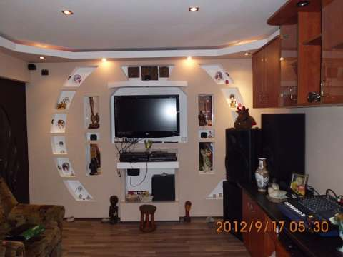 vand apartament cu 2 camere decomandat 1