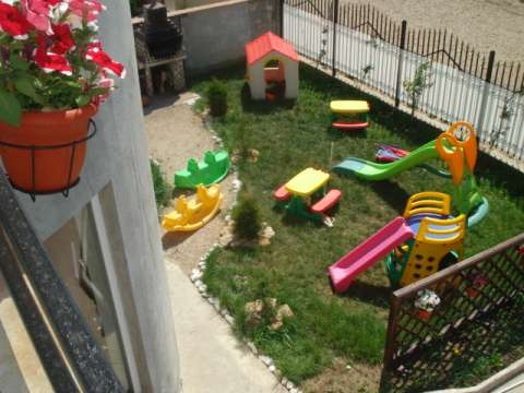 inchiriez/ cazare camere vila litoral/ eforie nord pentru sezon estival 1