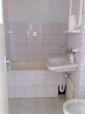 vand apartament 2 camere semidecomandat, zona aleco ruso, etaj 3 3