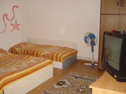 inchiriez/ cazare camere vila litoral/ eforie nord pentru sezon estival 8