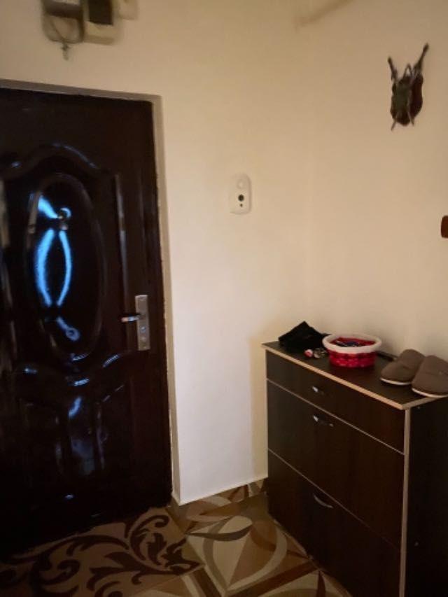 vand apartament 3 camere decomandat 8