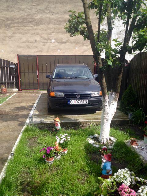 vand automobil opel astra 11