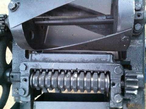 siscornita - tocator manual de furaje, fan, lucera 2