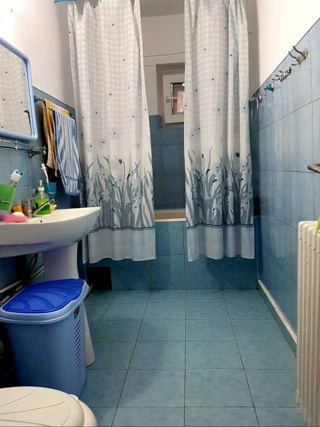 vand apartament cu 4 camere 10