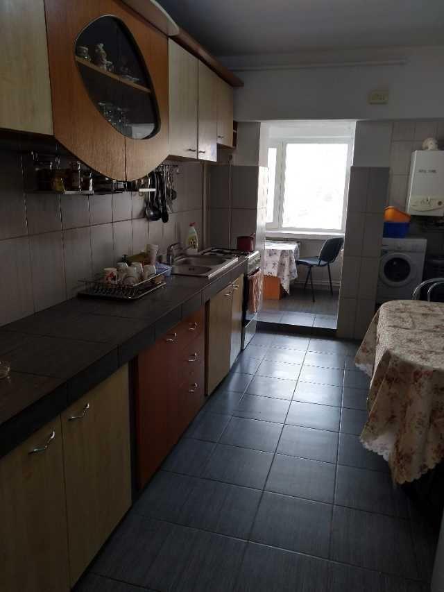 particular. vand apartament 4 camere decomandat 4