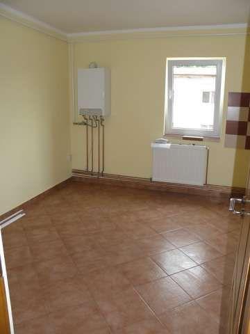 oferta! ! ! - onesti, apartament decomandat cu 2 camere in bloc nou 2