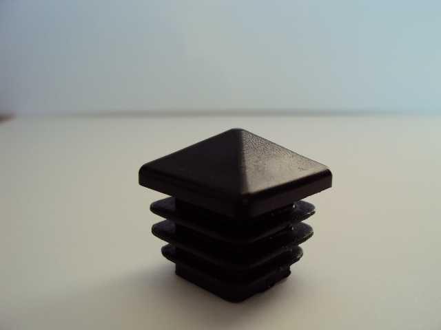 capac plastic patrat piramida 3