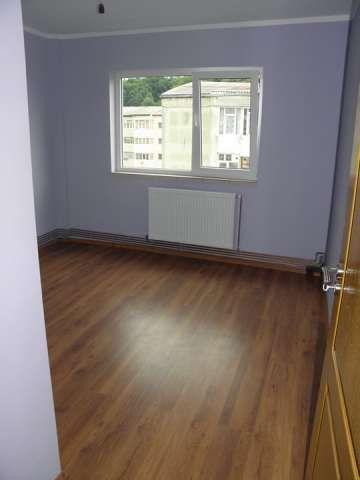 oferta! ! ! - onesti, apartament decomandat cu 2 camere in bloc nou 3
