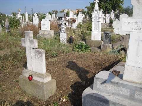 vand loc de veci cimitirul sineasca 1