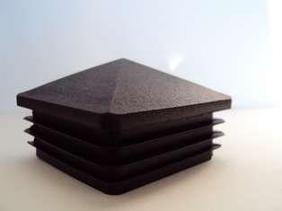 capac plastic patrat piramida 2