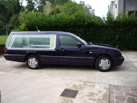 vand limuzine funerare mercedes 2