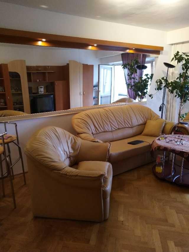particular. vand apartament 4 camere decomandat 1