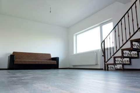 vand apartament cu scara interioara 2