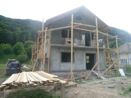 construim case la rosu sau la cheie 1